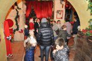Abbondante nevicata a Tarquinia sulla casa di Babbo Natale