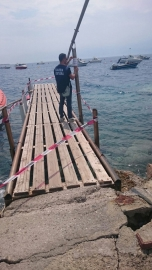 pontile sequestrato in  Loc. Pellaro